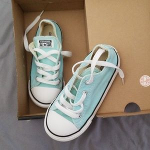 Ox  Converse light aqua color